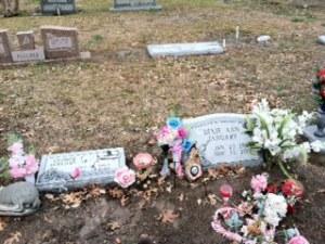 Dixie_headstone